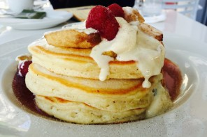 WHERE TO EAT THE BEST PANCAKES IN DUBAI