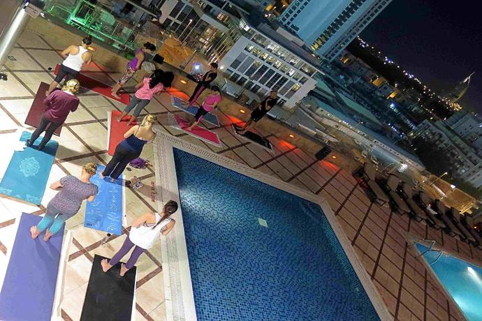 Yogalates in Dubai