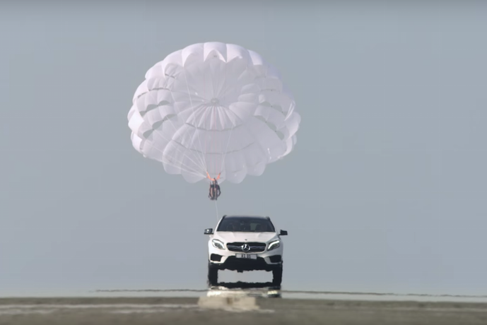 Daring Video Dubai Mercedes Benz