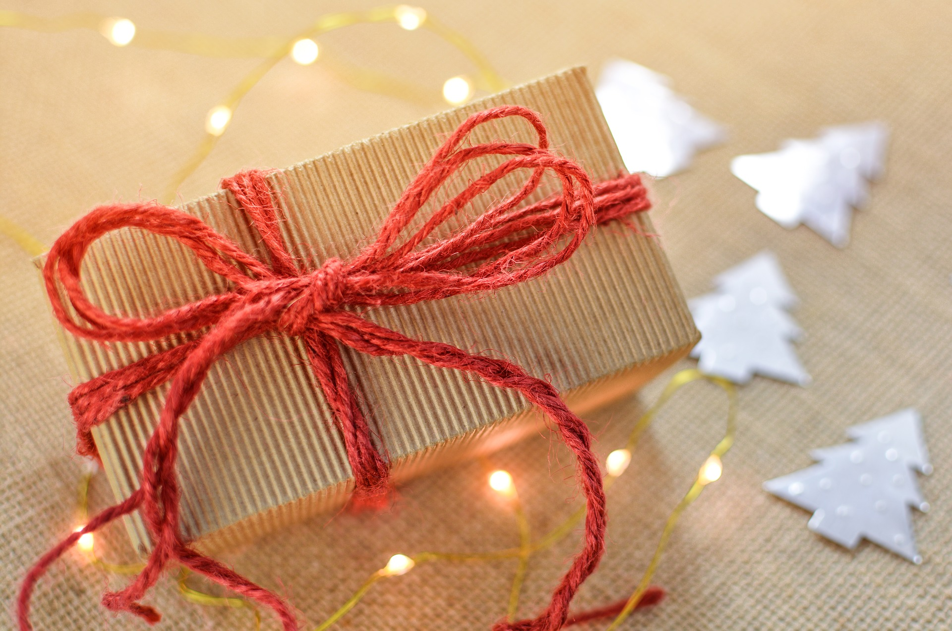 A ROUND-UP OF THE BEST CHRISTMAS GIFTS TO BUY - Dubai Confidential